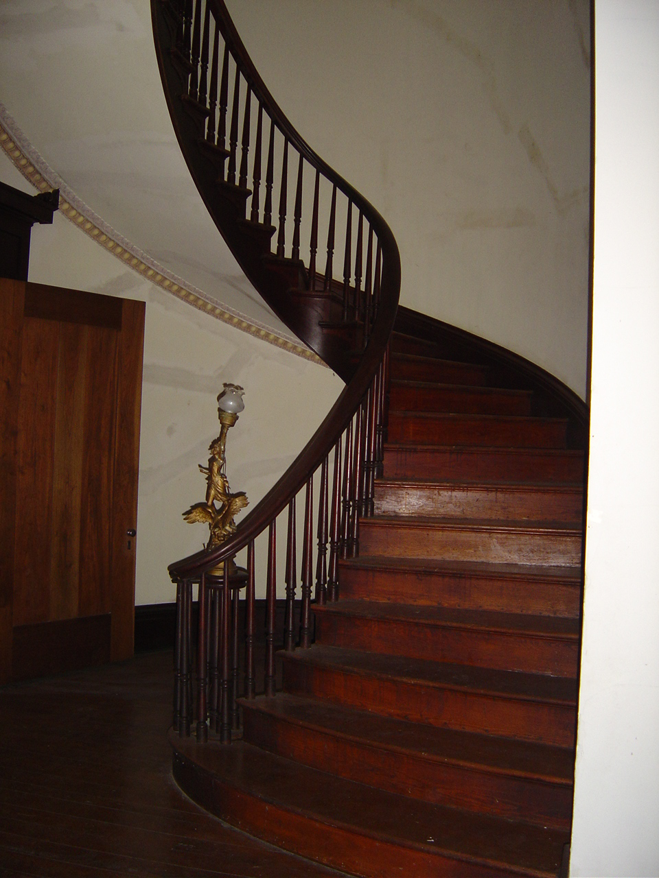 Ward Hall Chambered Nautilus Stairway